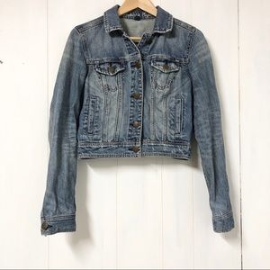 AEO Medium Wash Denim Jacket Size S